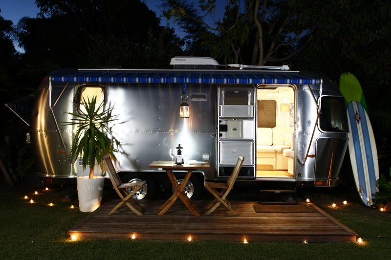 Airstream-Night